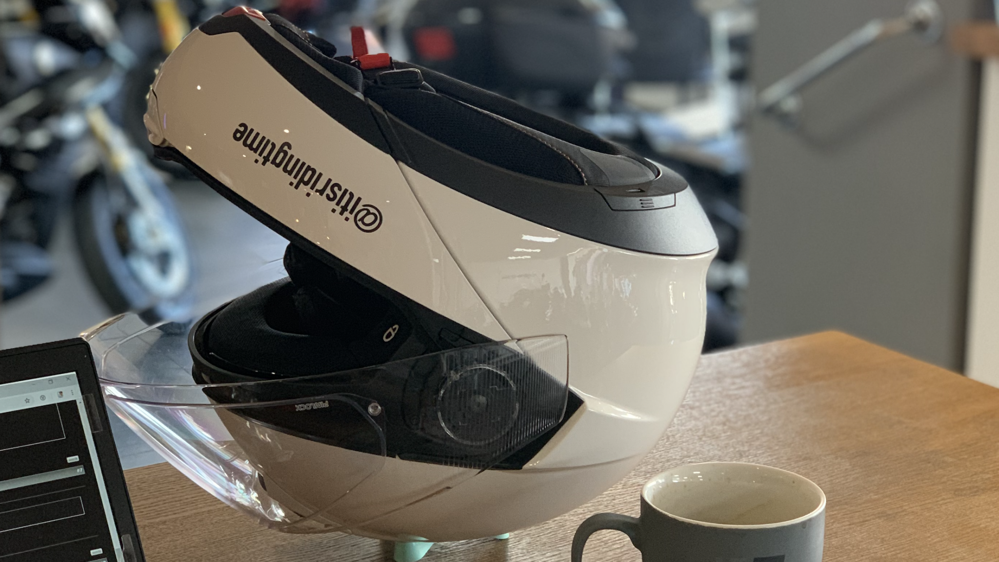 The Frog Helmet in use while having a coffee